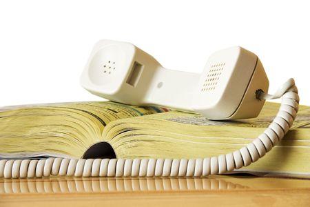 directorio telefonico: p�ginas amarillas de tel�fono con receptor aisladas en blanco