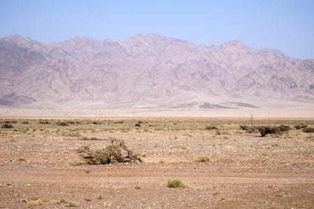에돔 산 (이스라엘)의 배경에 대해 Arava 사막 계곡
