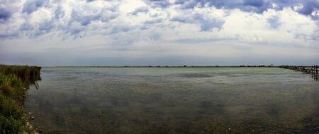 Evening on Maliy Sasik Lake (Ukraine, Rasseika, Tuzlovski Lagoons National Park) Banque d'images