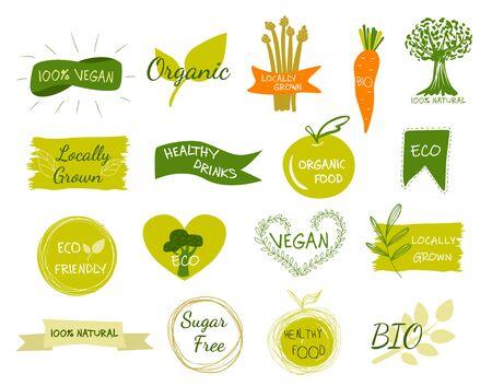 Bio, écologie, logos et icônes biologiques, étiquettes, tags. Insignes d'aliments bio sains dessinés à la main, ensemble de signes d'aliments crus, végétaliens, sains, biologiques et d'éléments.