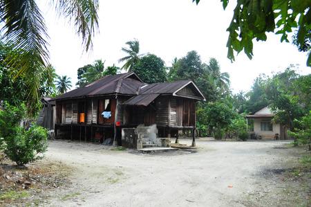 Pueblo Malasia casa de madera