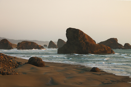 View of the beautiful rocks in the waters of the Pacific Ocean 版權商用圖片