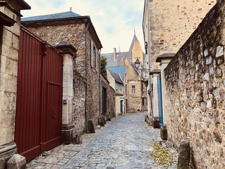 ル・マン市内の旧市街.狭い通り。サルテ、ペイ・ド・ラ・ロワール、フランス