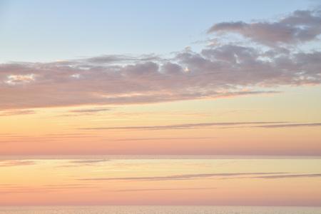Vanilla sunset on the Atlantic ocean in Normandy 版權商用圖片