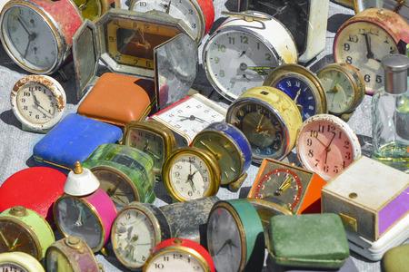 Vintage Clock at a flea market in Portugal 版權商用圖片