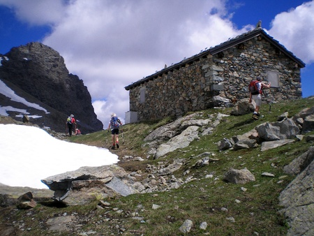 refuge: mountaineering in the park of mont avic