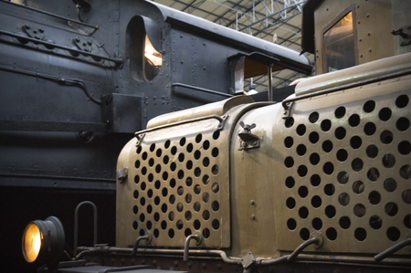 milánó: details of a steam and electric locomotives
