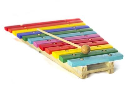 xilofono: Xil�fono Wodden juguete aislado en el fondo blanco
