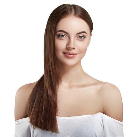 Retrato cosmético de la belleza del primer de la mujer, para la gente hermosa del salón y la piel y el pelo sanos del cuidado