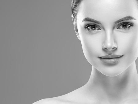 Monochrome woman beauty face close up portrait. Studio shot. Banco de Imagens - 110546843