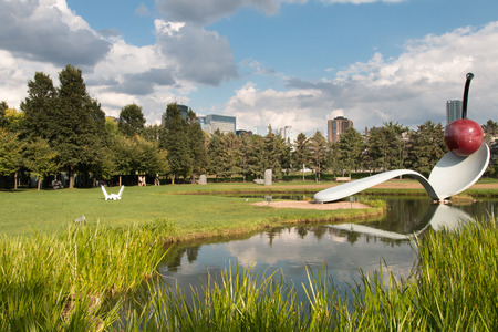 Spoonbridge and Cherry Fountain, Sculpture Garden, Minneapolis, USA