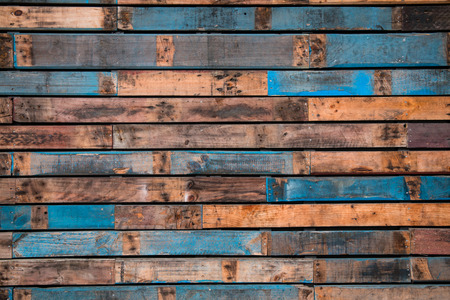 chink: Background of painted wooden planks