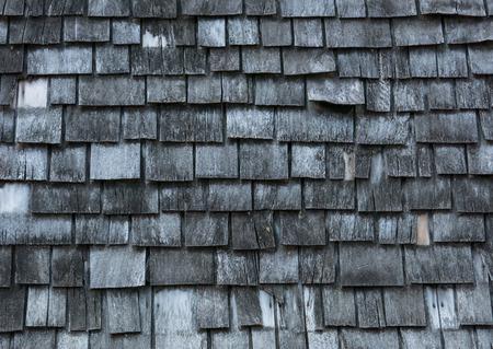shingles: Antecedentes de tejas de madera gastadas Foto de archivo