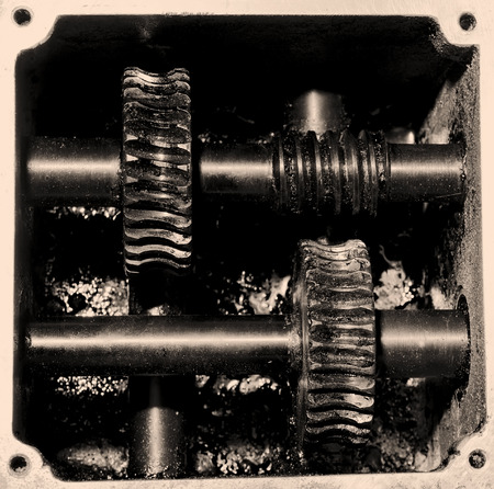 greasing: Old reduction gear mechanism has a very high power.