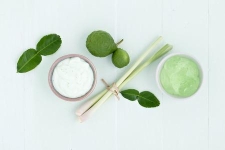 아시아 만든 신선한 허브 스크럽