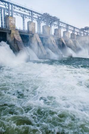 Dam con acqua corrente