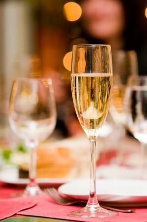 Verre de Champagne avec backlights abstraites