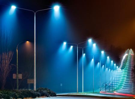 夜ライトで美しい道 写真素材