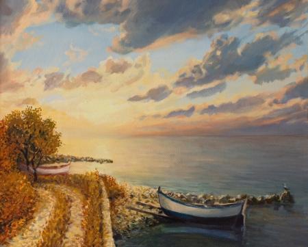 Een olieverfschilderij op doek van een romantische kleurrijke zonsopgang aan zee met een boot drijvend op een rustige wateroppervlak. Stockfoto