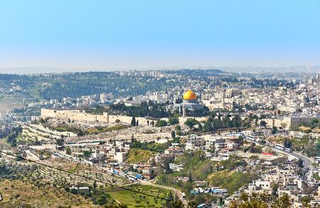 エルサレムおよび寺院の台紙のパノラマ ビュー 写真素材