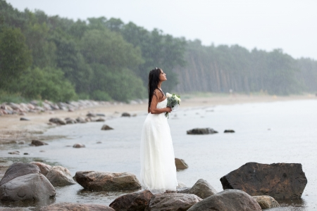 Bride is wating for groom under the rain Stock Photo - 14721933