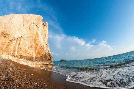 afrodita: Aphrodites rock. Chipre. Distrito de Paphos