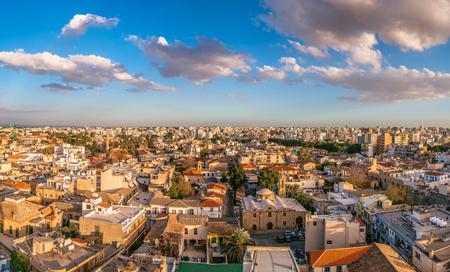 ニコシア シティ ビュー。旧市街。キプロス 写真素材