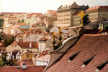 Dakoverzicht over Praag van de St. Nicholas Church.