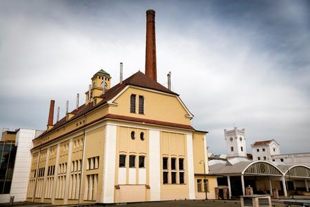 PILSEN (PLZEN), TSCHECHISCHE REPUBLIK - 22. MAI 2017: Traditionelles gärendes Gebäude in Pilsner Urquell Brauerei