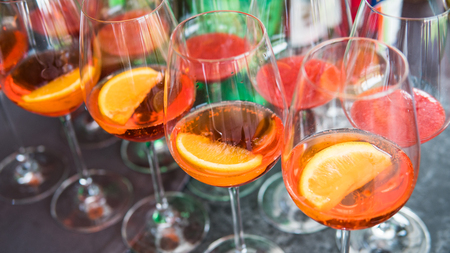 aperol spritz close-up. Summer party coctails Фото со стока