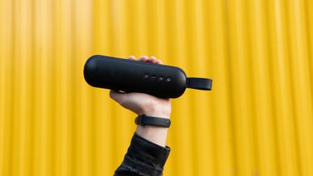 Modern portable wireless music speaker 版權商用圖片