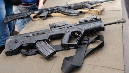 Kiew, Ukraine - 6. Oktober 2019: Militärfestival in Kiew. Militärmunition für die Soldaten der ukrainischen Armee. Vertragsarmee in der Ukraine