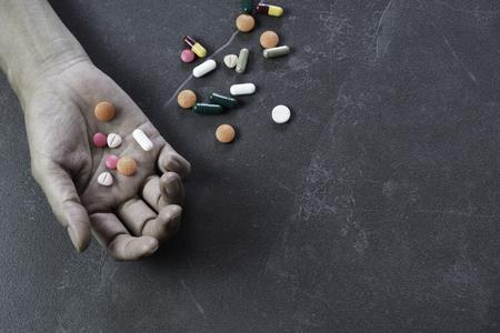 Concetto di overdose di pillola Archivio Fotografico