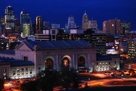 kansas: Kansas City Skyline Dusk