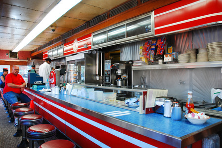 Mickeys Dining Car, a classic O'Mahoney prefabricated diner, in St Paul Minnesota 新闻类图片