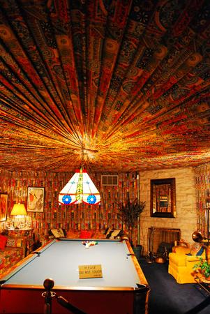 Le décor somptueux de la salle de la piscine à Elvis Preselys Graceland