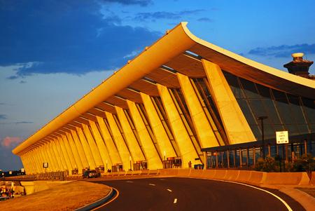 main: Main Terminal of Dulles Airport
