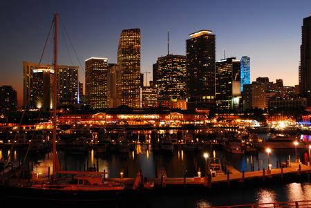 pleasure craft: Miami Skyline