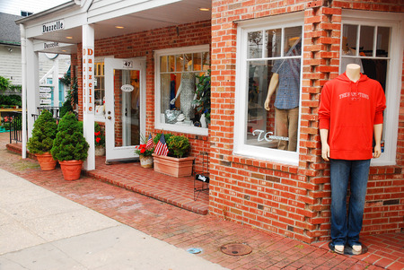 end of a long day: An Upscale Casual Store in Downtown South Hampton, Long Island Stock Photo