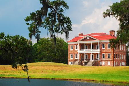 Drayton Hall, Charleston Editorial