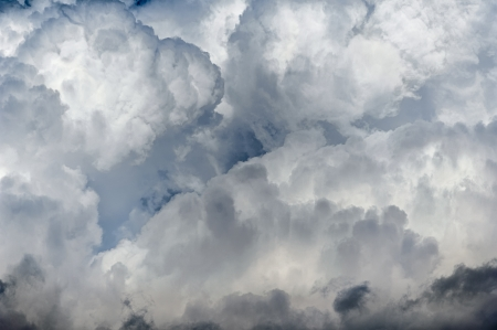 Sky full of deep thunder clouds Stock Photo - 17293911