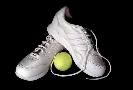 rec: Scarpe da tennis e palla