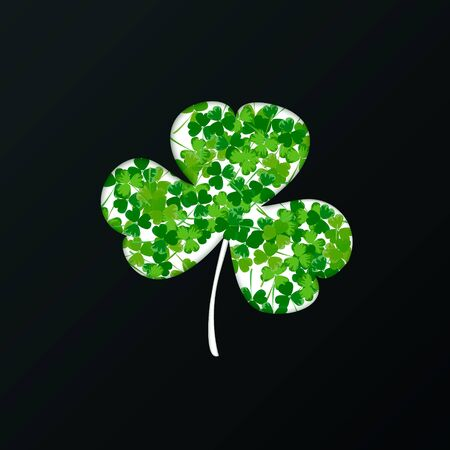 St. Patrick's Day holiday background. Green clover leaves pattern on a dark background. Ideal for greeting card, poster and web template. Vector illustration Imagens - 128482338