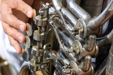 Oude tuba mechanisme