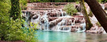 Turquoise water of Krushuna waterfalls, Bulgaria Standard-Bild