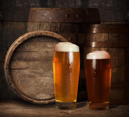 beer tap: wooden barrel