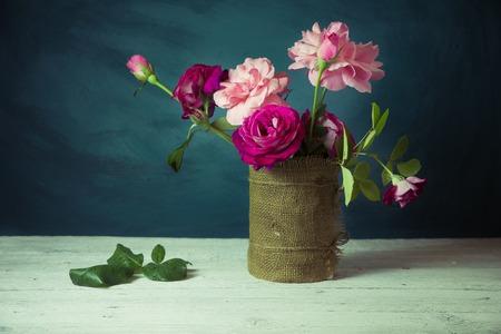 아직도 고전적인 그림 꽃 장식 고전