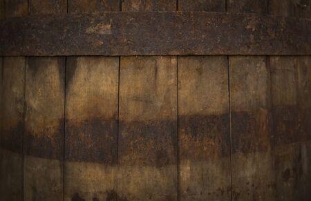 Primo piano del barilotto di birra. Struttura della botte di rovere in legno