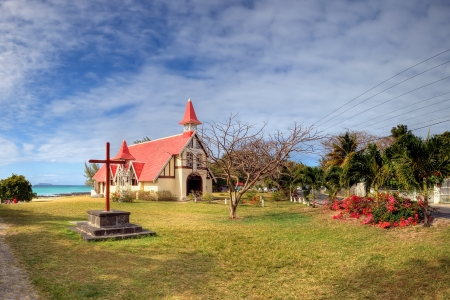 Red roofed church, north Mauritius Standard-Bild