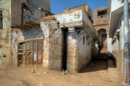 dilapidated: Dilapidated houses of Egyptian village of Esna